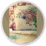 English Chintz With Green Tone Round Beach Towel