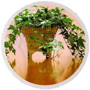 English Ivy Round Beach Towel