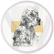 English Setter And Pup Round Beach Towel