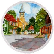 English Village Street Round Beach Towel