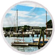 Essex Ct Marina Round Beach Towel