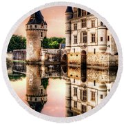 Evening At Chenonceau Castle Round Beach Towel