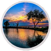 Evening At Riverwinds Round Beach Towel