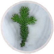 Evergreen Snow Cross Round Beach Towel