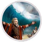 Exodus Moses And Pharaoh  Of Egypt Round Beach Towel