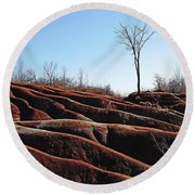 Exposed And Eroded Badlands Round Beach Towel