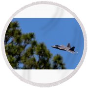 F22 Raptor Flying Low Round Beach Towel