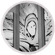 Face In Space B G I Round Beach Towel