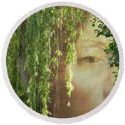 Face In The Willows Round Beach Towel