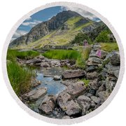 Face Of Tryfan Round Beach Towel