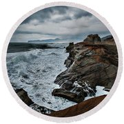 Face-off Round Beach Towel