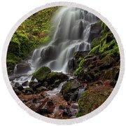Fairy Falls In Columbia Gorge Round Beach Towel