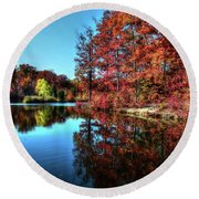 Fall At The Crosspointe Lake Round Beach Towel