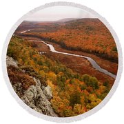 Fall Colors - Lake Of The Clouds Round Beach Towel