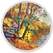 Fall In Bear Mountain Round Beach Towel