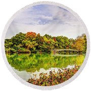 Fall In Central Park Round Beach Towel
