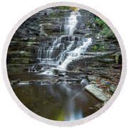 Falls Creek Gorge Trail Reflection Round Beach Towel
