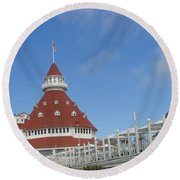 Fancy Hotel In Southern California Round Beach Towel