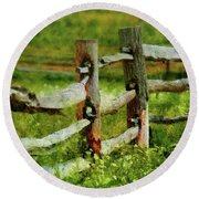 Farm - Fence - The Old Fence Post  Round Beach Towel