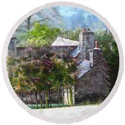 Farmhouse On A Cold Winter Morning. Round Beach Towel