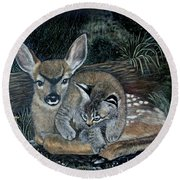 Fawn And Cat Round Beach Towel