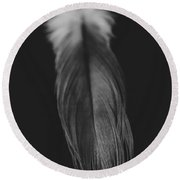 Feather In Black And White Round Beach Towel