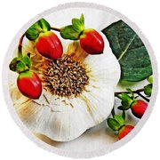 Festive Garlic Round Beach Towel