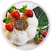 Festive Garlic Round Beach Towel
