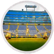 Field View Of Lambeau Round Beach Towel