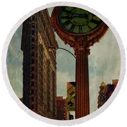 Fifth Avenue Clock And The Flatiron Building Round Beach Towel