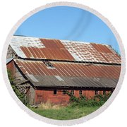 Fisher Road Barn 2 Photograph Round Beach Towel