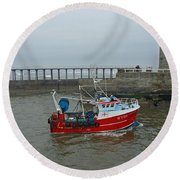 Fishing Boat Wy110 Emulater - Entering Whitby Harbour Round Beach Towel