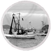 Fishing Boats At Pearl Beach 1.2 Round Beach Towel