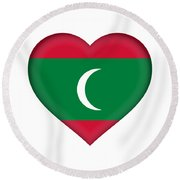 Flag Of The Maldives Heart Round Beach Towel