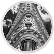 Flatiron Building  Nyc Round Beach Towel