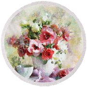 Floral Bouquet Table Setting In Tiny Bubbles Round Beach Towel