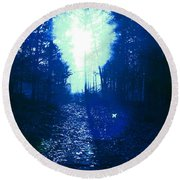 Fly Home, Baby. Round Beach Towel