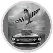 Fly Past - 1966 Mustang With P47 Thunderbolt In Black And White Round Beach Towel