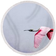 Flying Pretty - Roseate Spoonbill Round Beach Towel