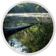 Fog And Reflection Of Stream Round Beach Towel