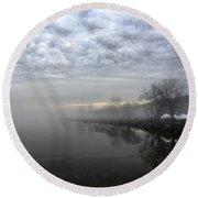 Foggy Hudson River Shore Round Beach Towel