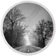 Follow Your Dreams    Monochrome Round Beach Towel