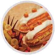Food - Cake - Little Cakes Round Beach Towel