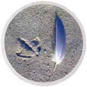Footprint And Feather Round Beach Towel