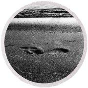 Footprint Bw Round Beach Towel