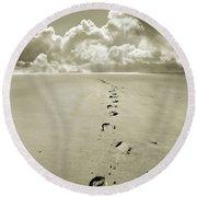 Footprints In Sand Round Beach Towel