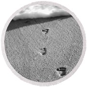Footprints In The Sand Black And White Round Beach Towel