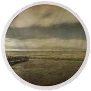For The Lonely Souls Round Beach Towel by Laurie Search