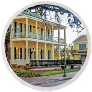 Fort Conde Inn In Mobile Alabama Round Beach Towel