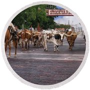 Fort Worth Cattle Drive Round Beach Towel